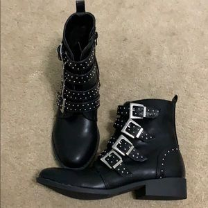 Qupid black studded boots